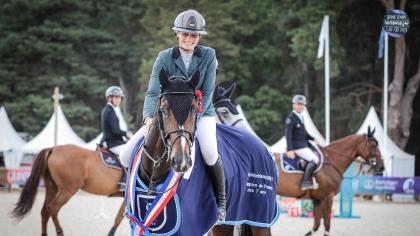 Lire l'acutalité Fontainebleau 2021 : Emir de Chanu, un champion qui s'envoie en l'air dans le...