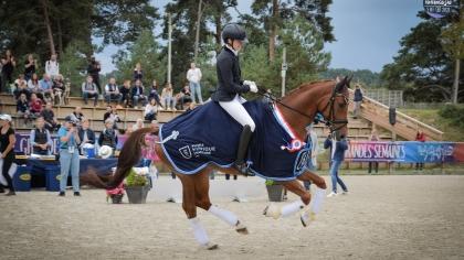 Dressage 2021 : Elsa Maulet et Bellini Jiva s'imposent dans le Championnat de...